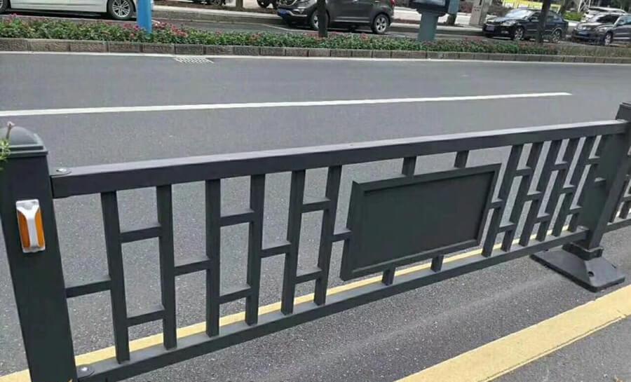 诸暨铁艺道路护栏工程案例